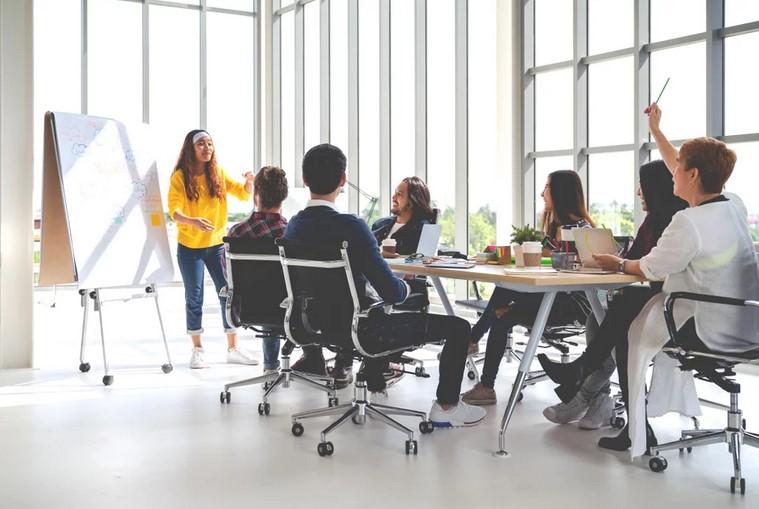 Promosi Bisnis EO dengan Membuat Konten Menarik yang Masih Berkaitan di Bisnis